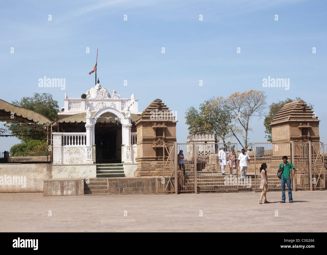 Group of people at a temple, Ahmedabad, Gujarat, India - Stock Image