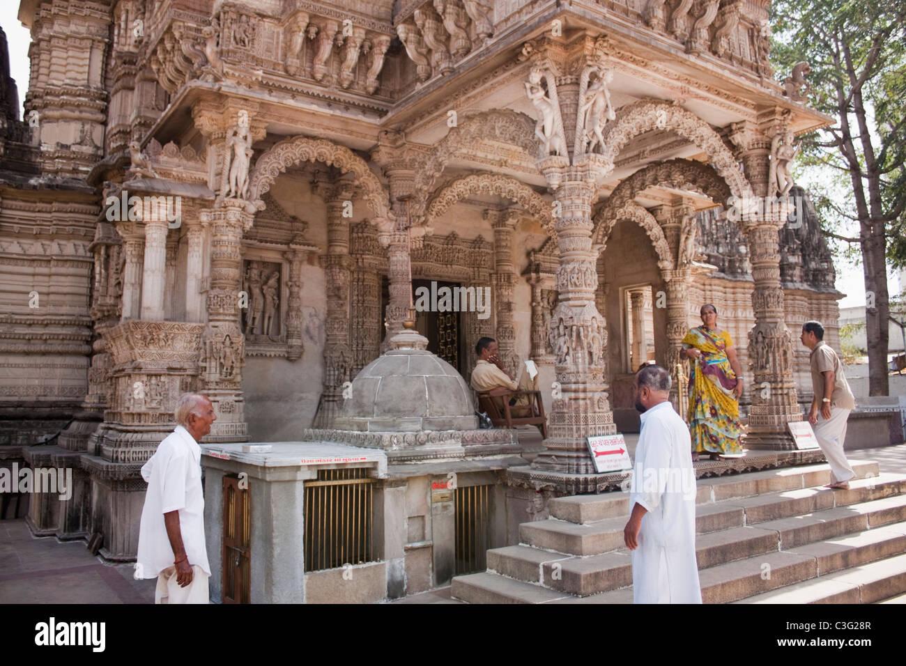 People at a temple, Swaminarayan Akshardham Temple, Ahmedabad, Gujarat, India - Stock Image