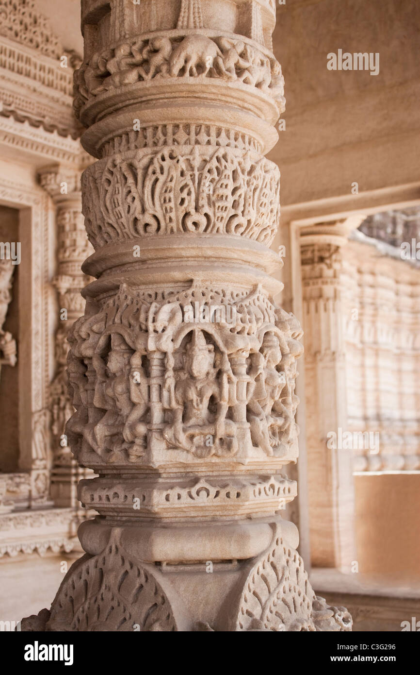 Details of carving on a column in a temple, Swaminarayan Akshardham Temple, Ahmedabad, Gujarat, India Stock Photo