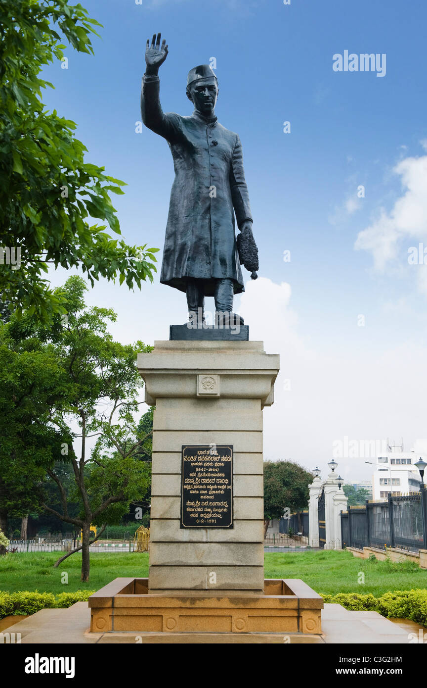 Low angle view of a statue, Jawaharlal Nehru statue, Bangalore, Karnataka, India - Stock Image