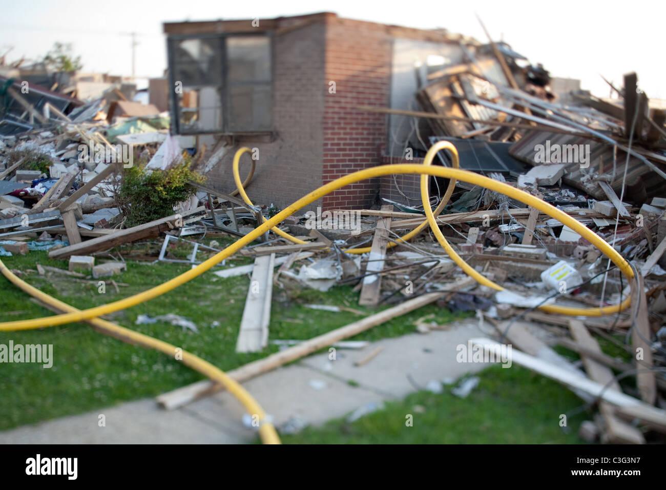 Debris surrounding homes destroyed by tornado in Tuscaloosa, Alabama. - Stock Image