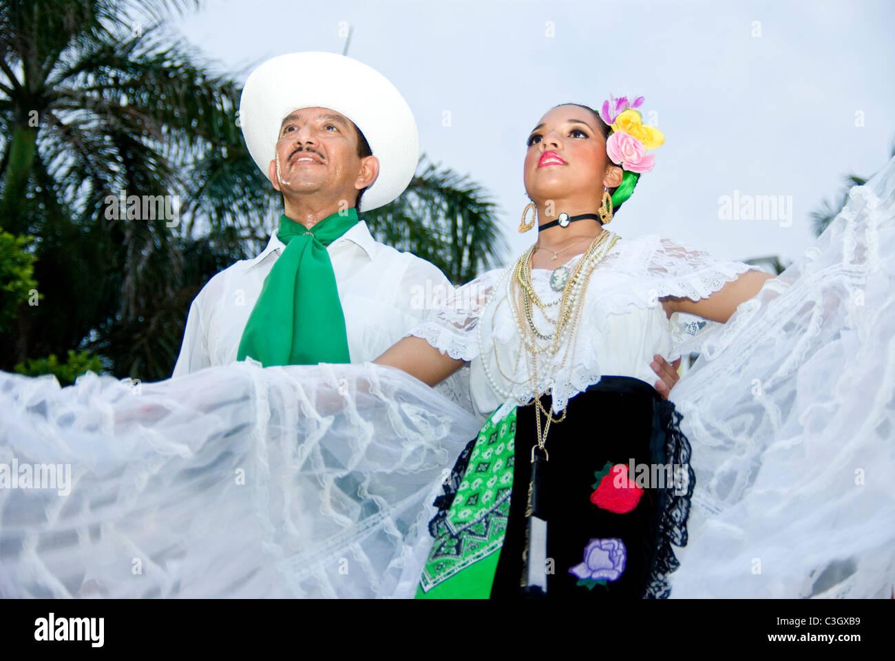 Mexico. Veracruz city. Mexican folk-dance exhibitions. 'Son Jarocho'. - Stock Image