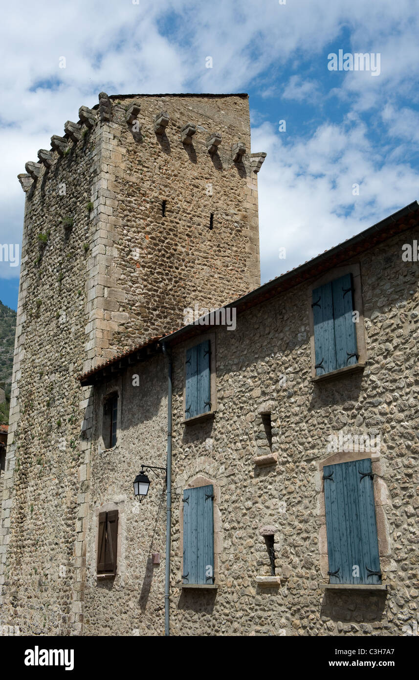 Townhouse + tower in the fortified medieval village of Villefranche-de-Conflent in Pyrénées Orientales - Stock Image