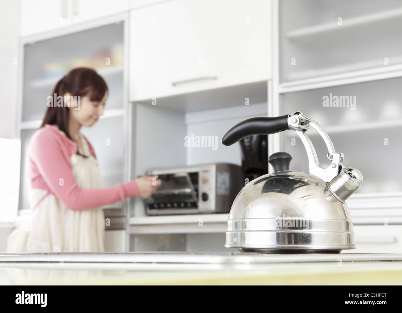 Kitchen Kettle Stock Photos & Kitchen Kettle Stock Images - Alamy