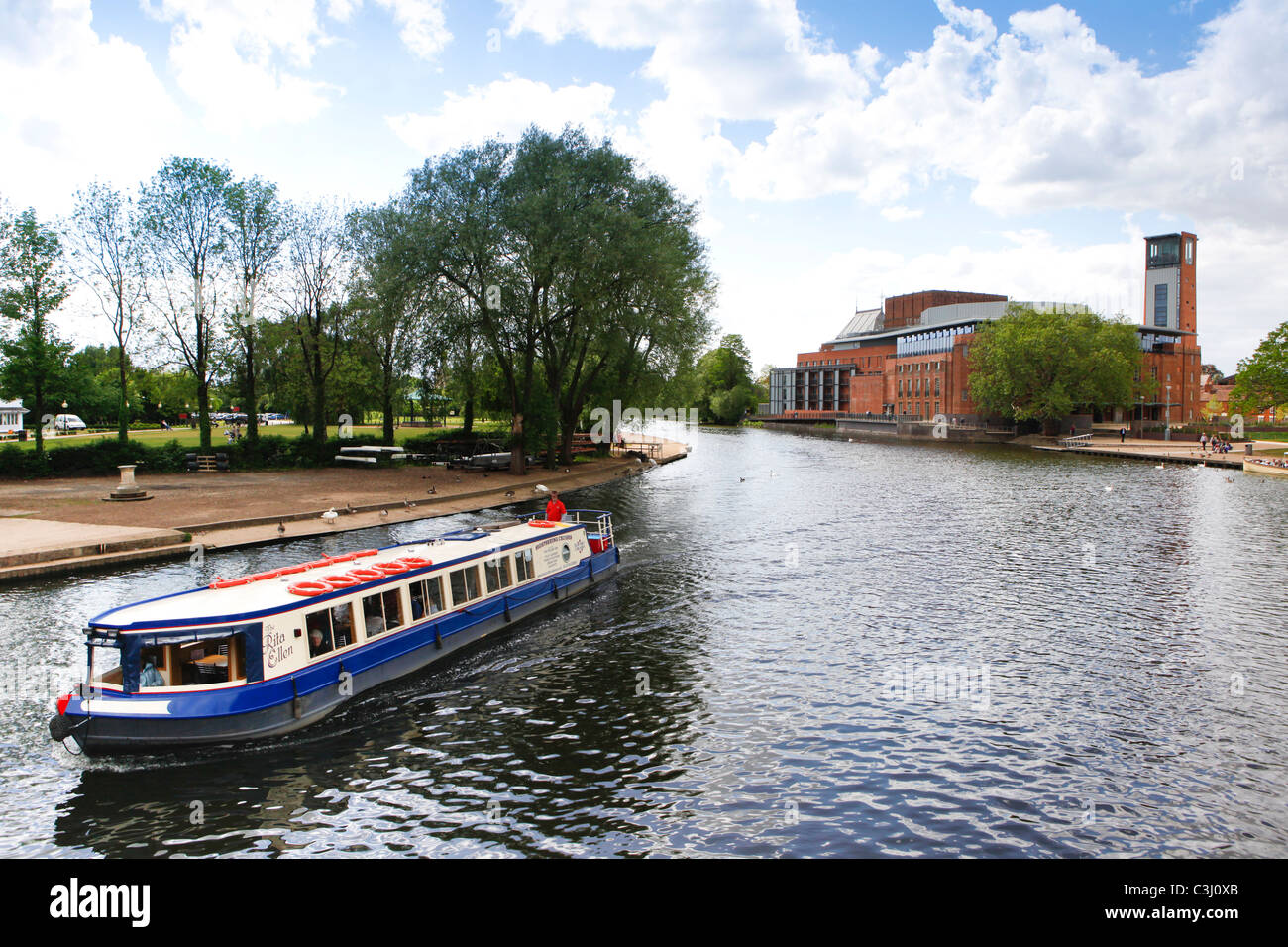 Boat on the River Avon in Stratford-upon-Avon, Warwickshire. - Stock Image