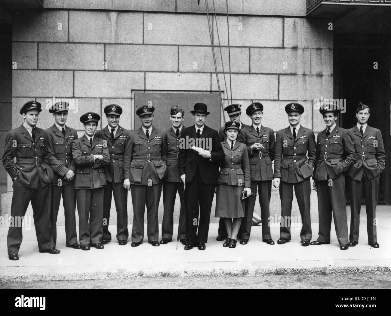 BATTLE OF BRITAIN  1940 - Hugh Dowding with some of 'The Few' outside the Air Ministry in 1942. See Description - Stock Image