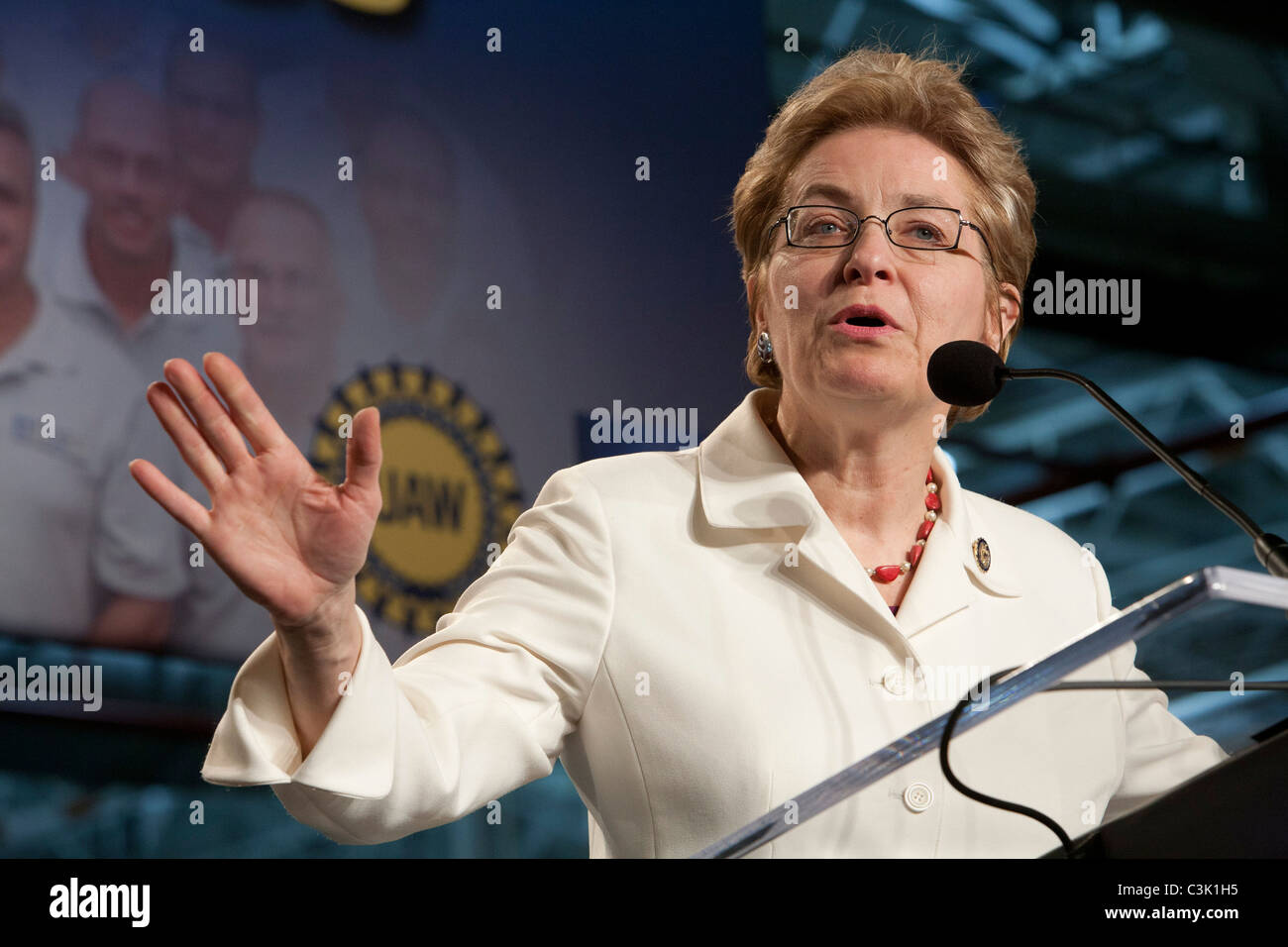 Toledo, Ohio - Congressional representative Marcy Kaptur speaks to workers at General Motors' Toledo Transmission - Stock Image