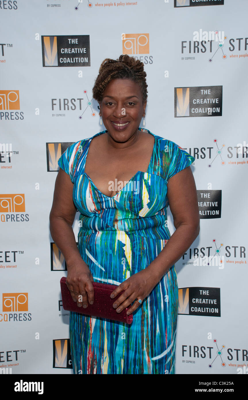 CCH Pounder arrives for a reception after a Creative Coalition boot camp with Capitol Hill leaders and journalists - Stock Image