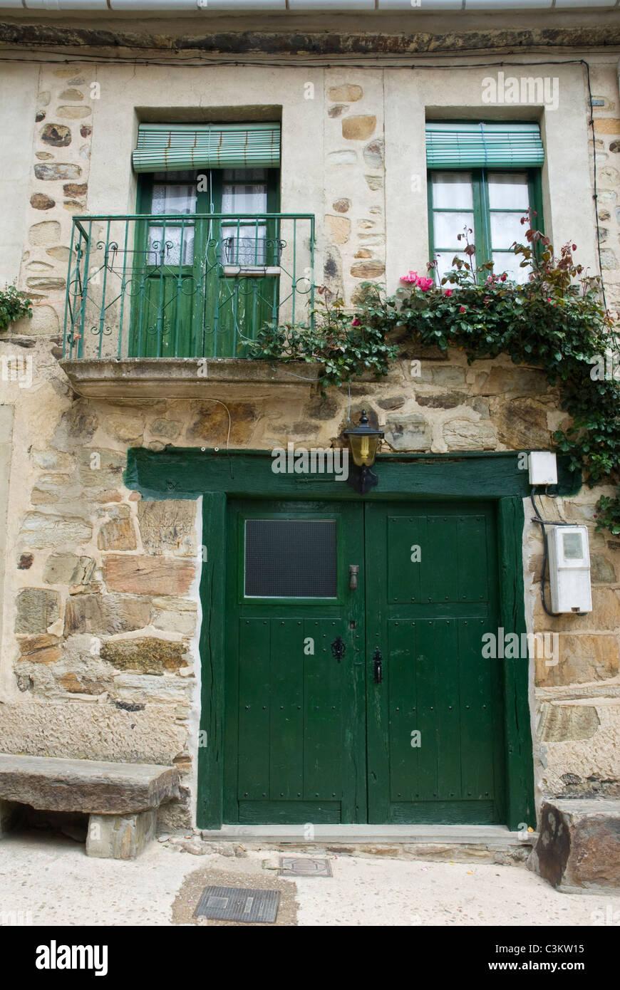 Rustic house along the pilgrimage route, Camino de Santiago, Northern Spain - Stock Image