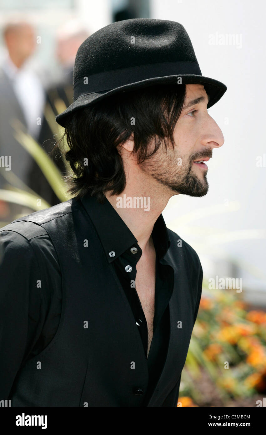ADRIEN BRODY MIDNIGHT IN PARIS PHOTO CALL PALAIS DES FESTIVALS CANNES FRANCE 11 May 2011 - Stock Image