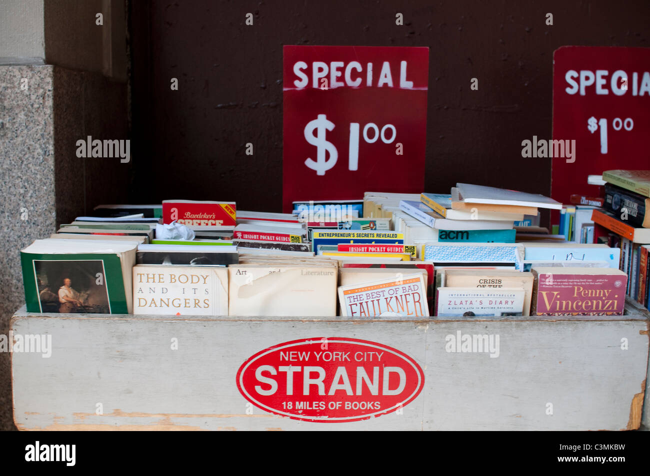 Bargain books for sale at the Strand bookshop in New York City. - Stock Image