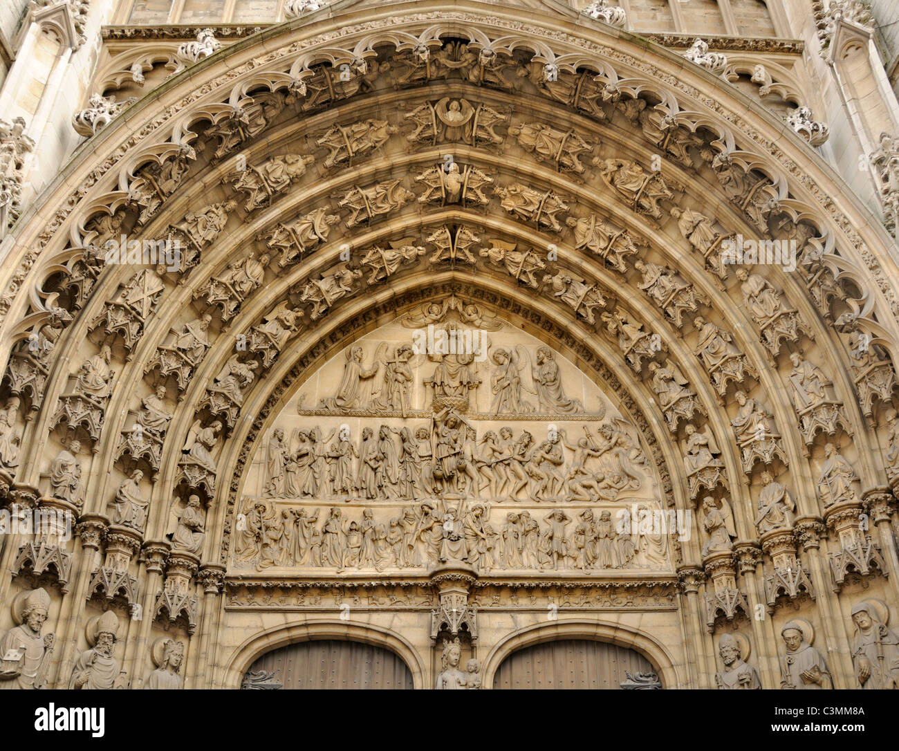 Antwerp / Antwerpen, Belgium. Cathedral (Onze-Lieve-Vrouwkathedral: 1352-1521. Gothic) Carved stone detail of Last - Stock Image