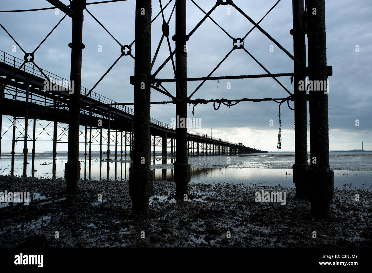 Southend Pier, Southed-on-Sea, Essex, England. The pier is the longest in the world at 1.25 miles in length stretching Stock Photo
