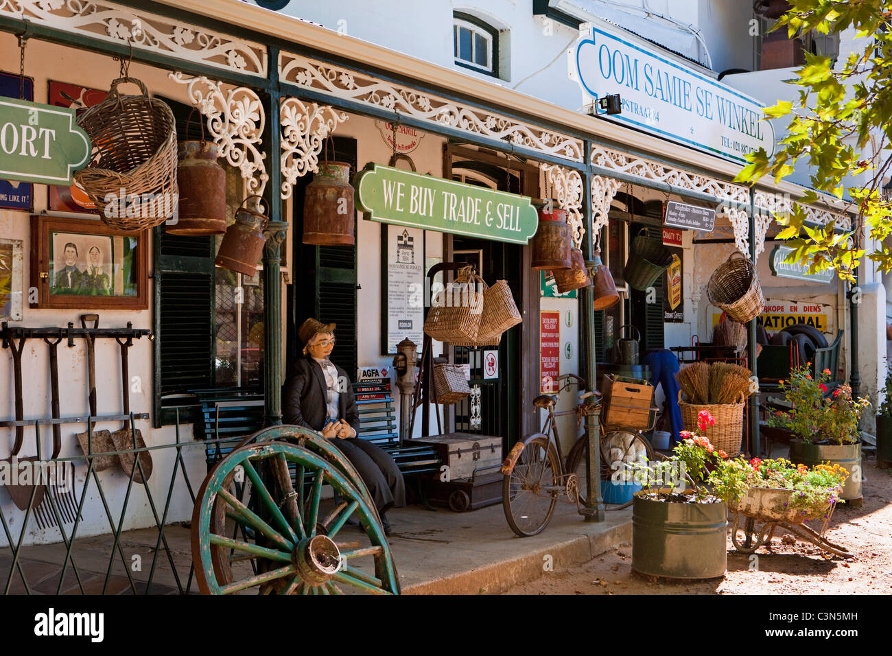 South Africa, Western Cape, Stellenbosch, ' Oom Samie se Winkel ' , an antique and curiosity shop. - Stock Image