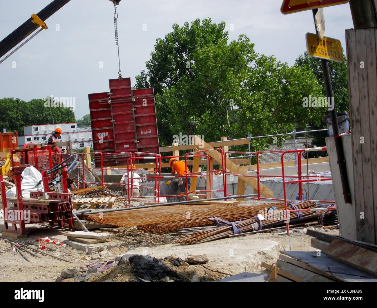Paris, France, Men Working on Construction Site, Street scene, in Paris South - Stock Image