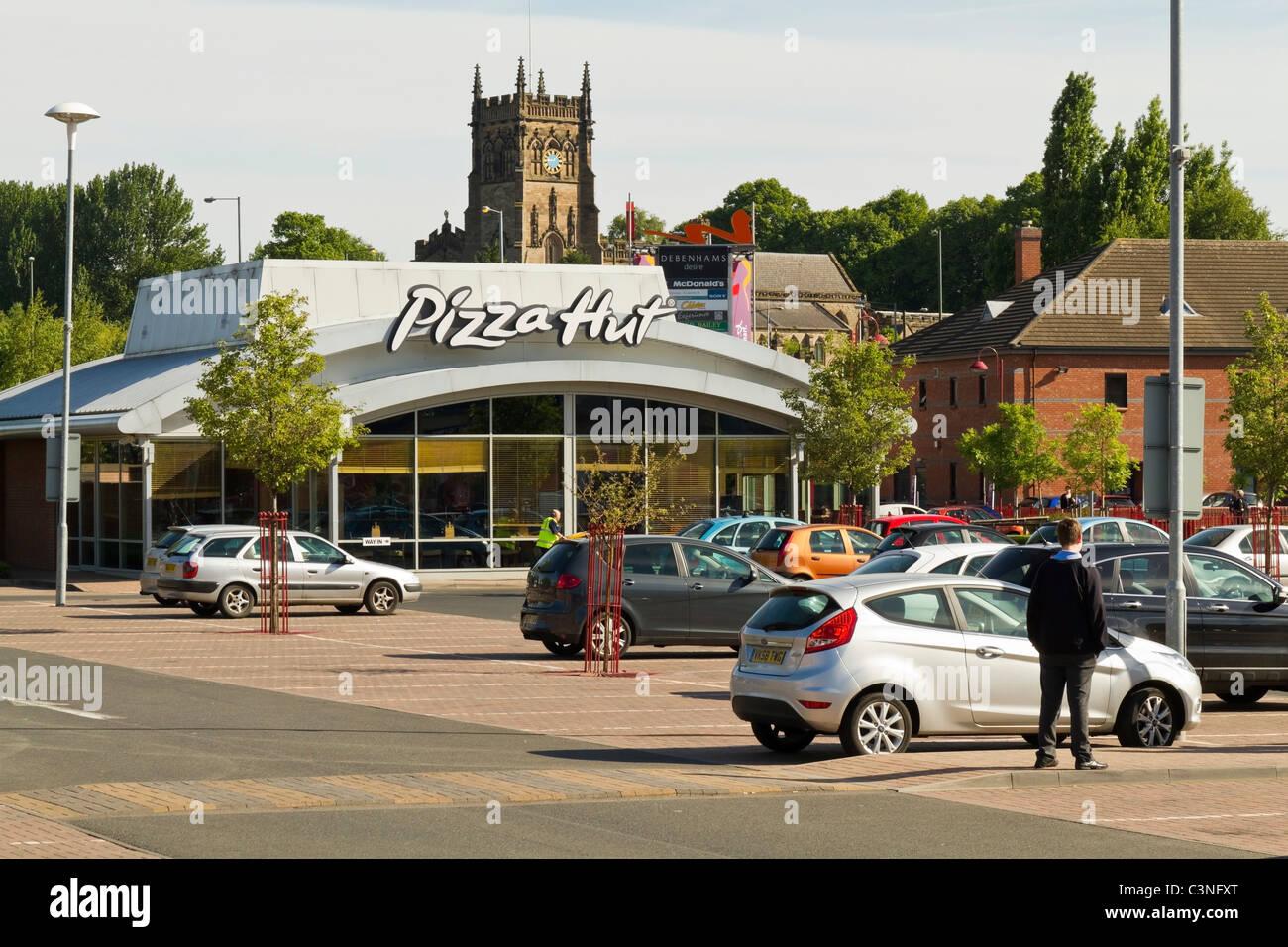 Pizza Hut Fast Food Restaurant In Kidderminster Stock Photo