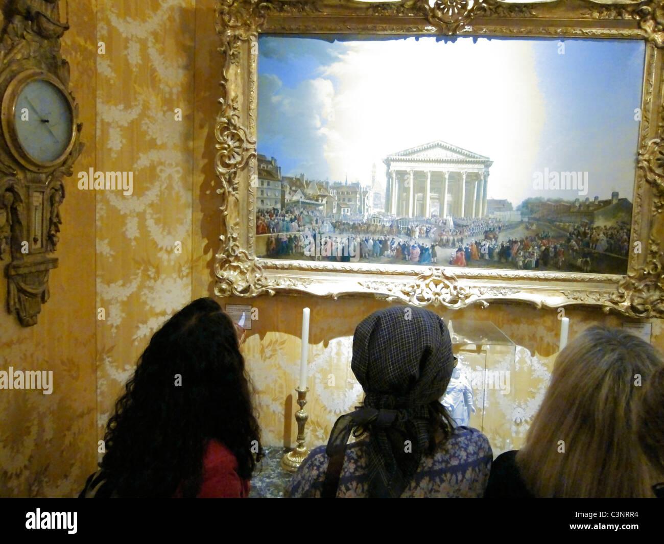 Paris, France, People Visiting Looking 'Musee Carnavalet', 'Musee de l'Histoire', City of Paris - Stock Image