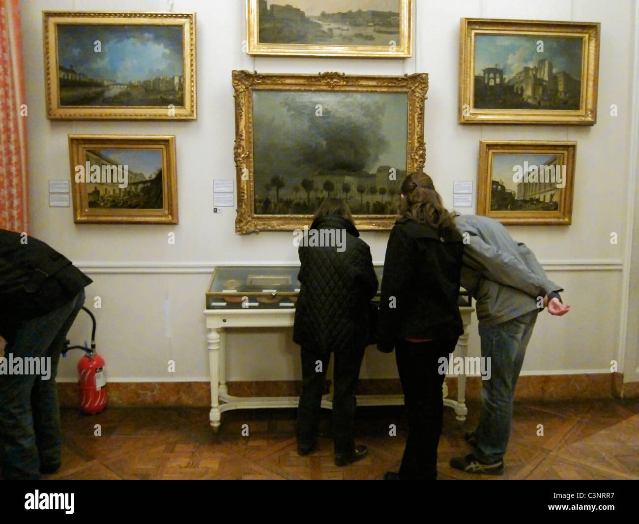 Paris, France, People Looking Visiting 'Musee Carnavalet', 'Musee de l'Histoire', City of Paris - Stock Image
