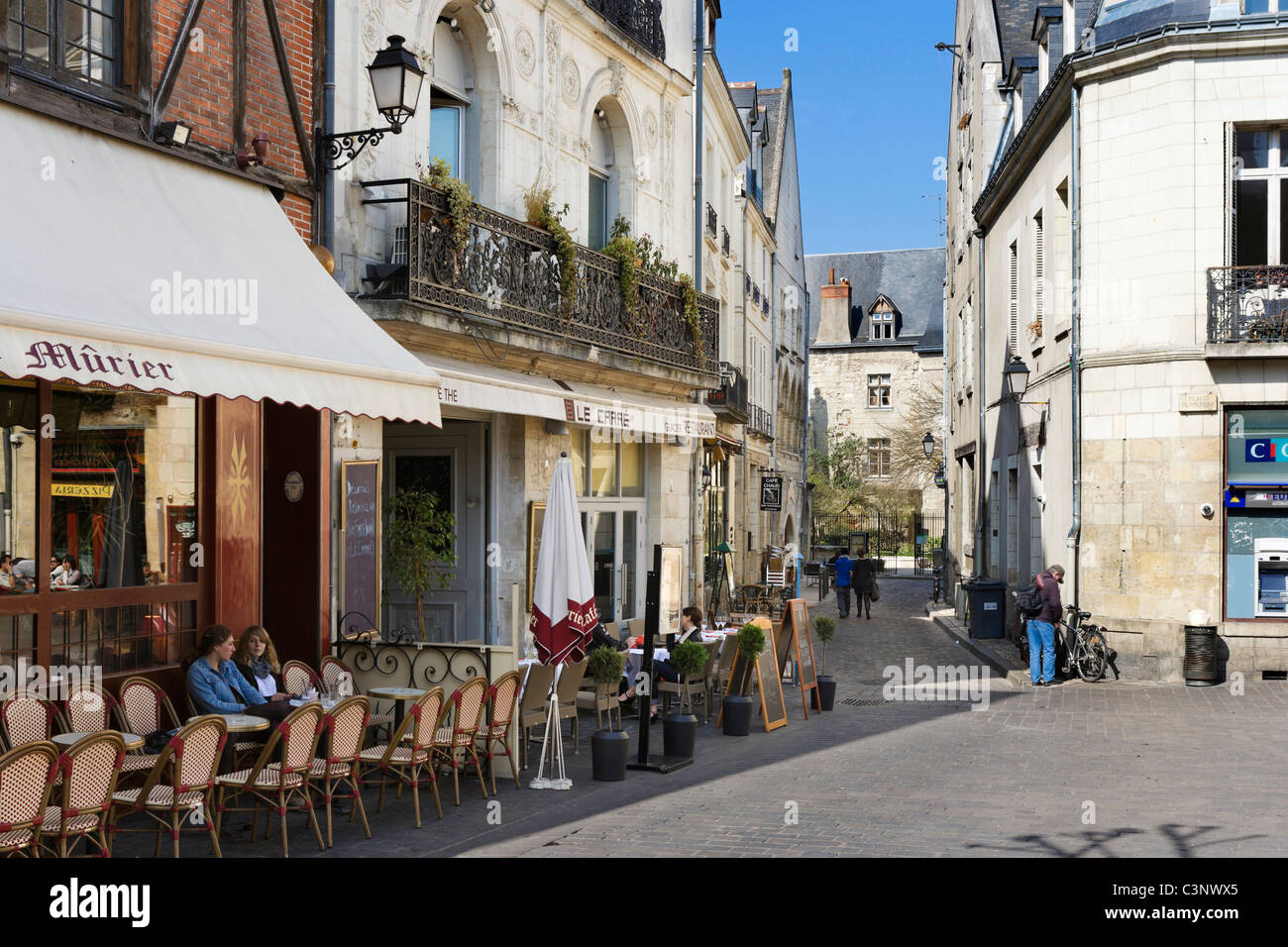 Cafes in Place Plumereau in the old quarter of the city, Tours, Indre et Loire, France - Stock Image