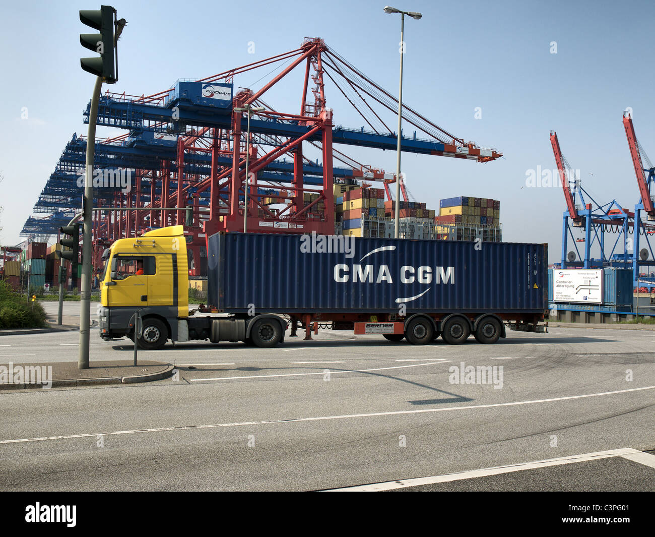 Trucking And Container Load Stock Photos Amp Trucking And