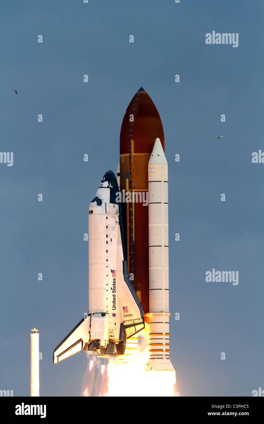 space shuttle endeavour final launch - photo #17