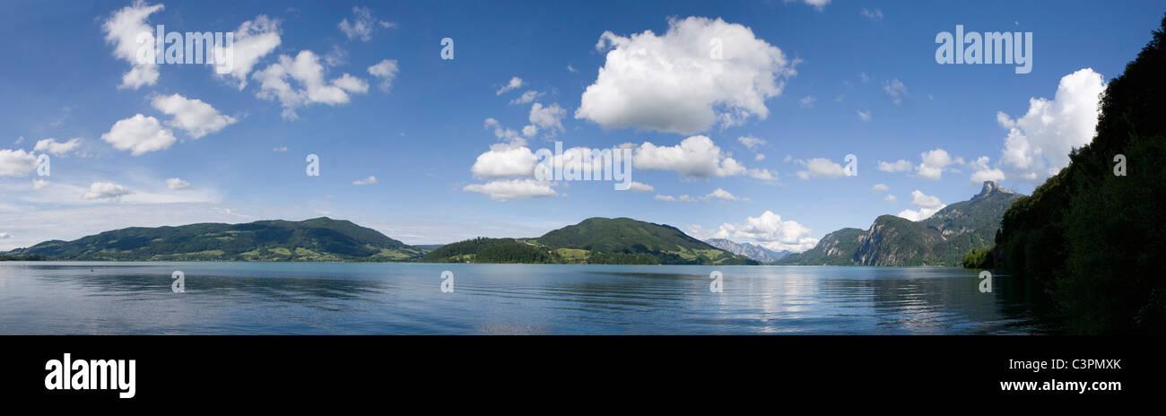 Austria, Salzkammergut, Lake Mondsee, Mount Schafberg in background Stock Photo