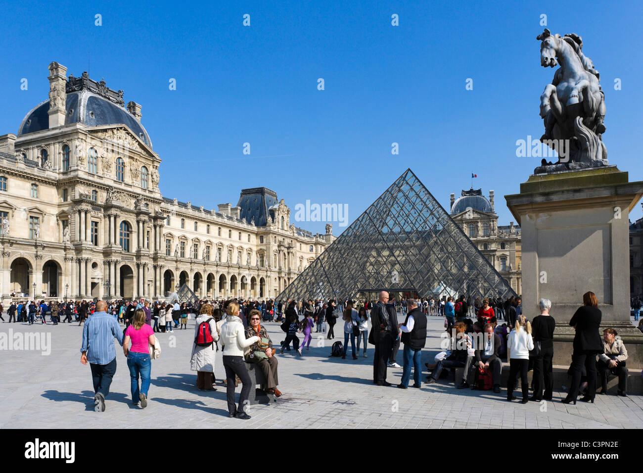 Musee du Louvre, Paris, France - Stock Image