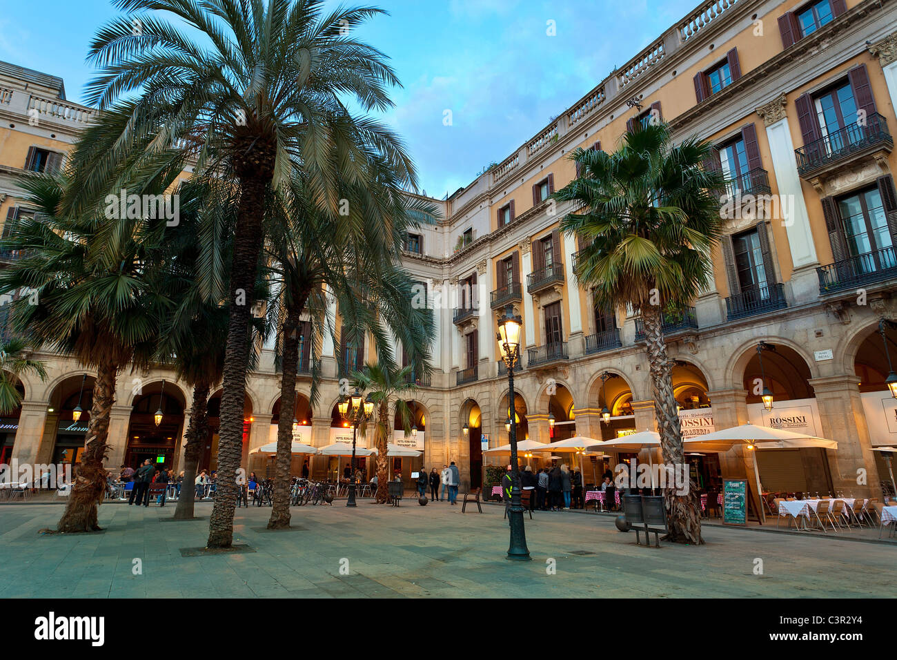 Spain, Catalonia, Barcelona, Barri Gotic district, Placa reial - Stock Image