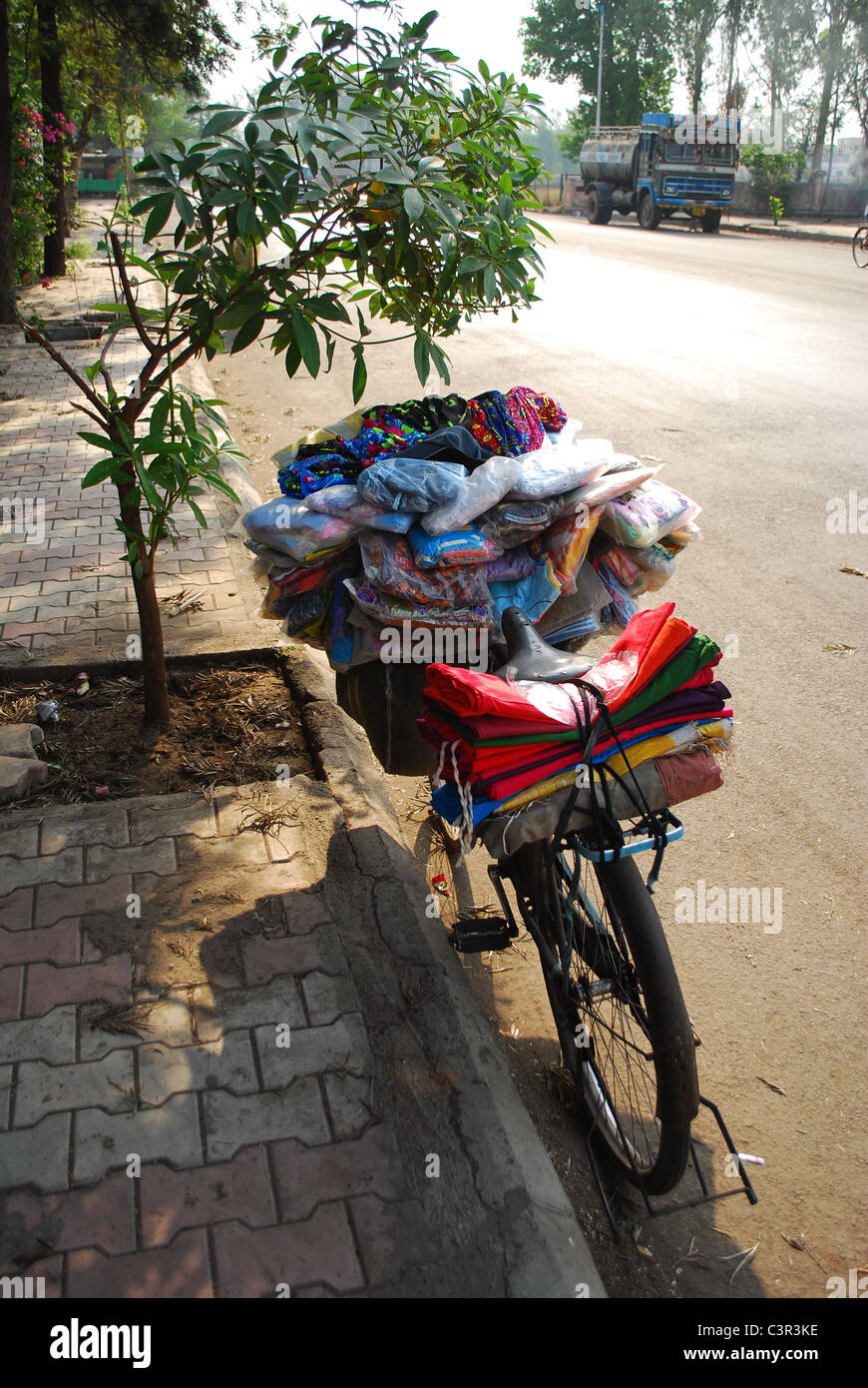 mobile cycle cloth shop - Stock Image