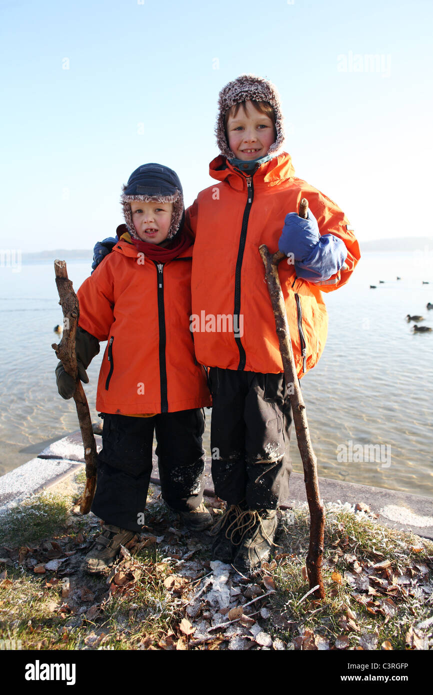 Children in winter clothes - Stock Image
