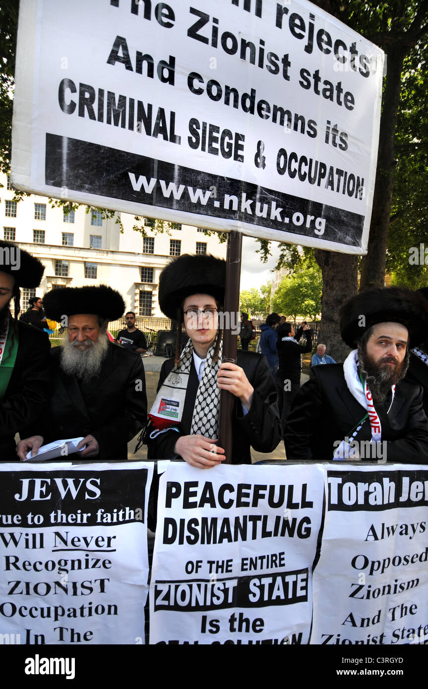 The Neturei Karta are a Jewish group opposed to the Zionist state and occupation of Palestine - Stock Image