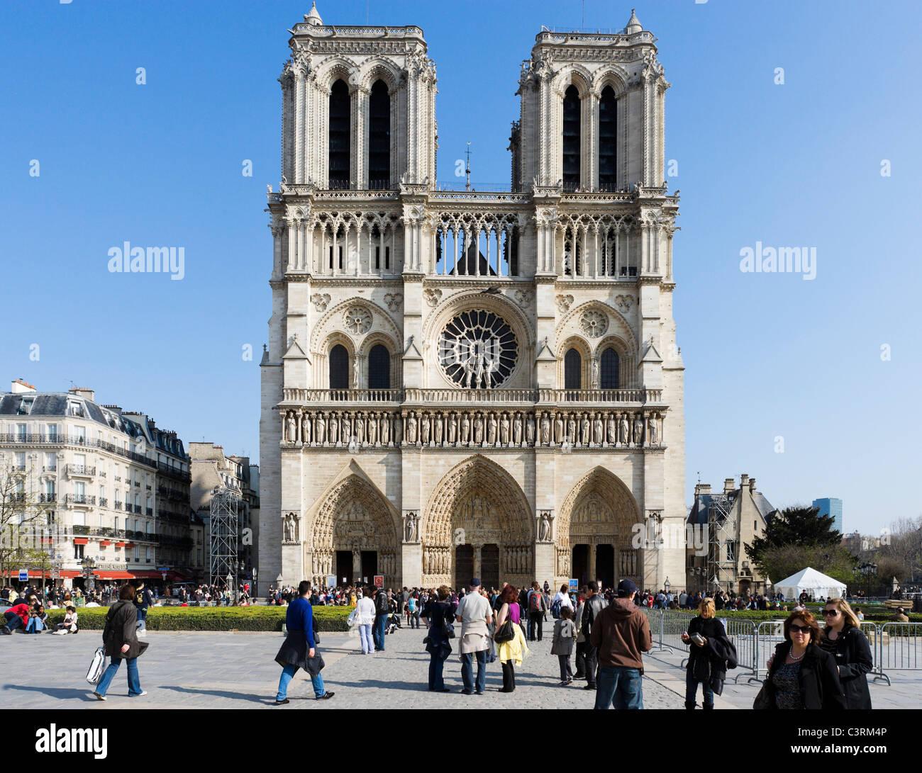 Western facade of the Cathedral of Notre Dame de Paris, Ile de la Cite, Paris, France - Stock Image
