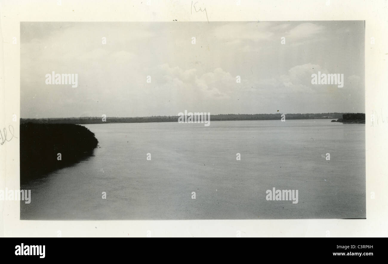 confluence of the Mississippi and Ohio rivers seem from Missouri looking eastward. Cairo Illinois 1939 1930s depression - Stock Image