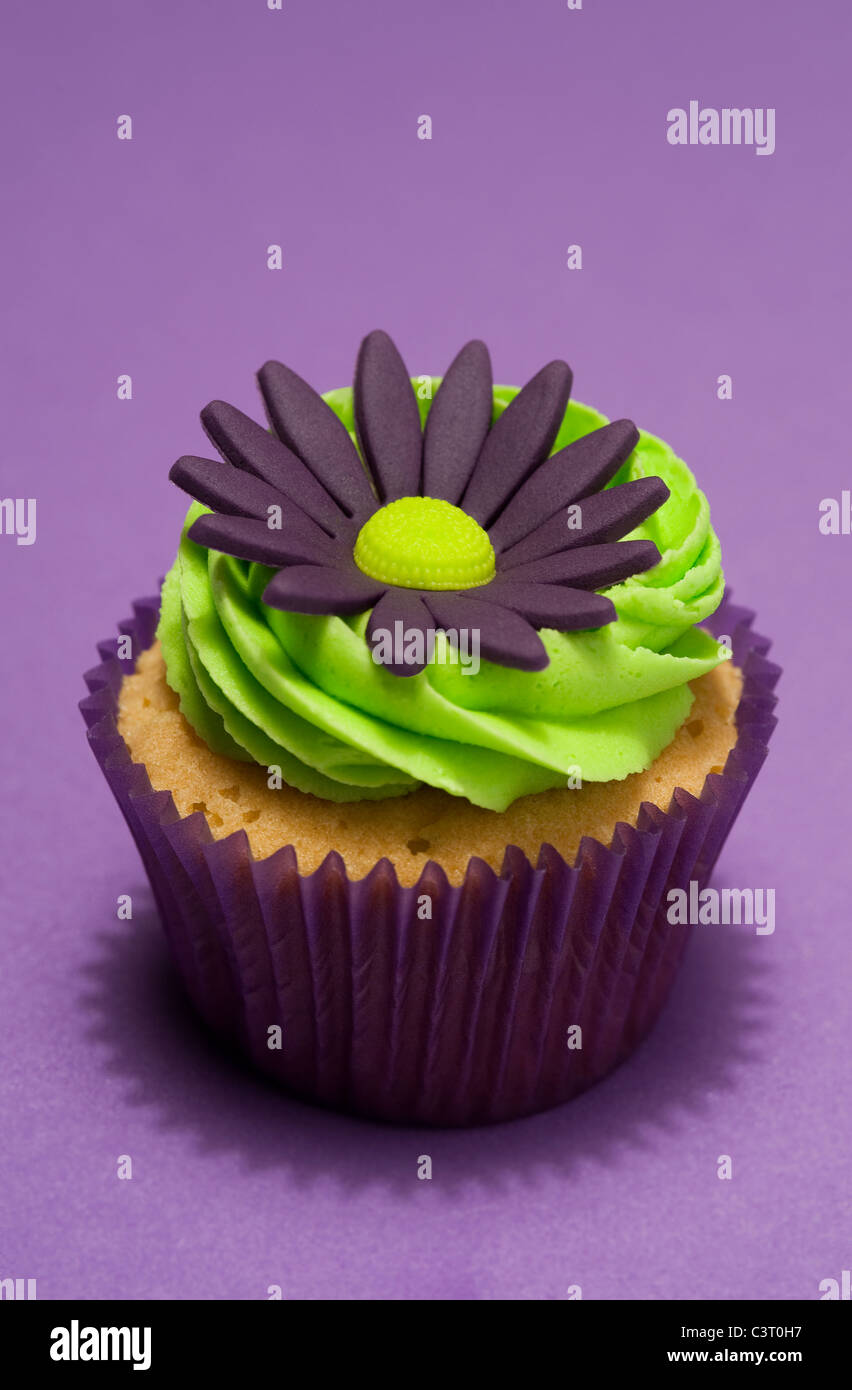 floral cup cake design - Stock Image