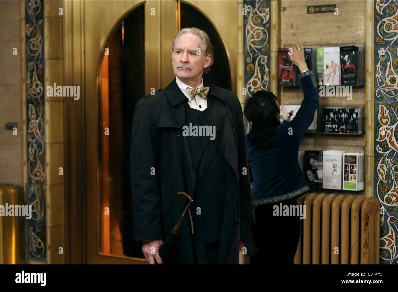 KEVIN KLINE THE EXTRA MAN (2010) - Stock Image