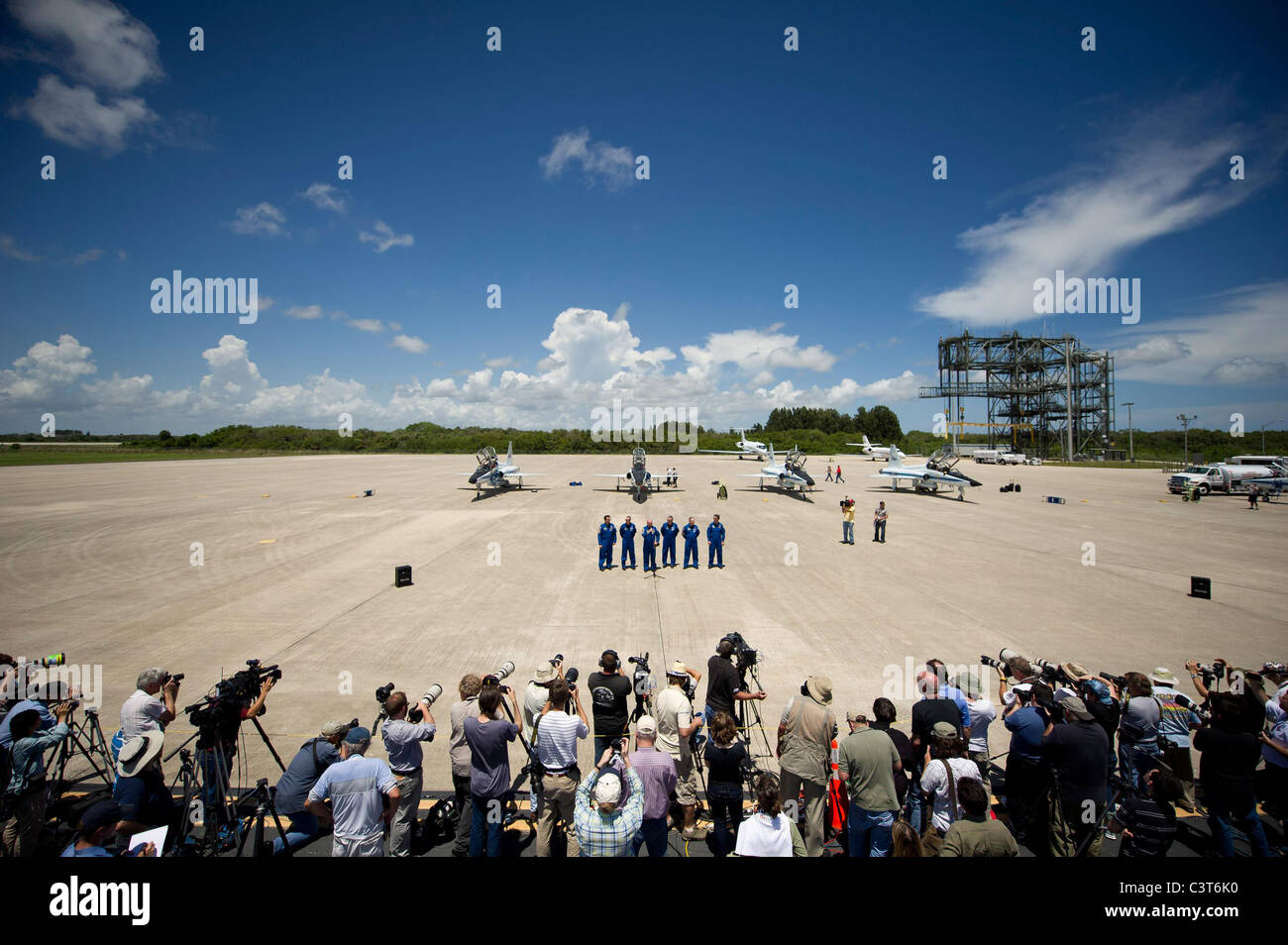 Astronauts Arrive for Launch Media gather at Kennedy Space Center's Shuttle Landing Facility to see the STS - Stock Image