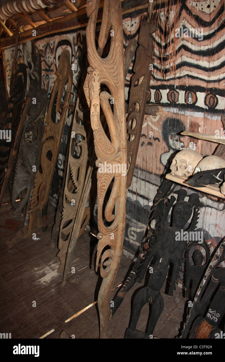 Artefacts inside Tribal House in Papua New Guinea - Stock Image