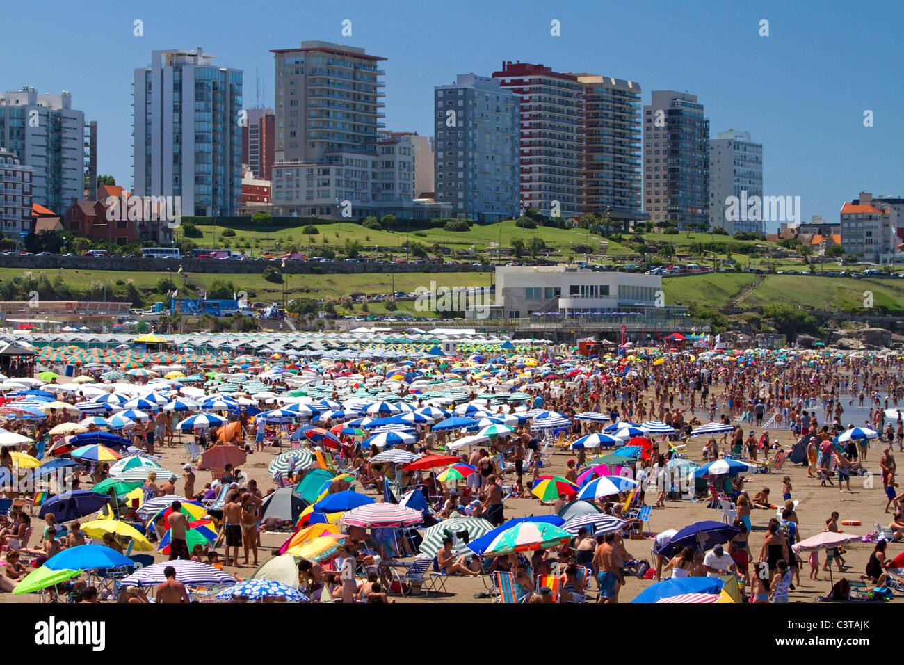 Beach scene at Mar del Plata, Argentina. - Stock Image