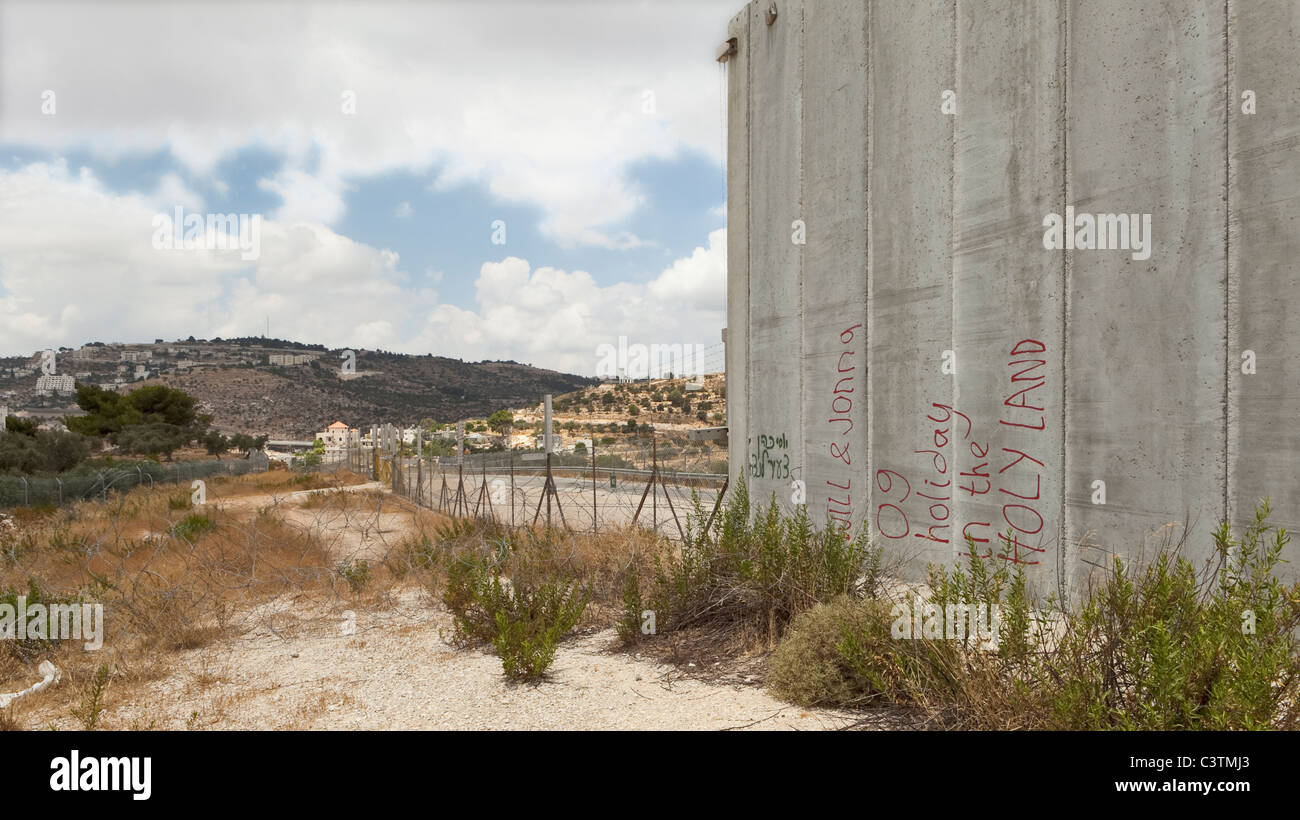 The separation wall and security fence, Palestine - Stock Image