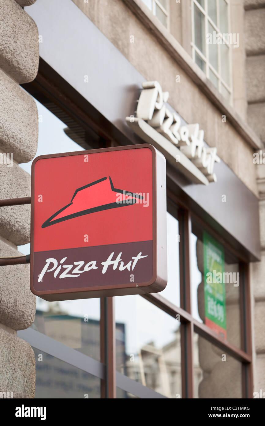Pizza Hut Sign Logo London England Stock Photo 36807780 Alamy