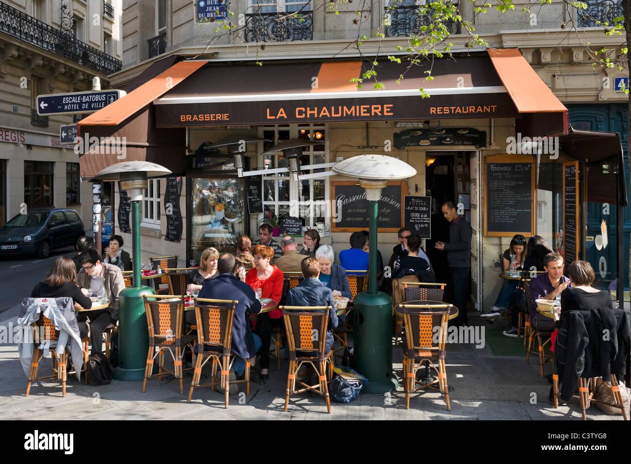 Brasserie on the Rue Jean du Bellay, Ile Saint-Louis, Paris, France - Stock Image
