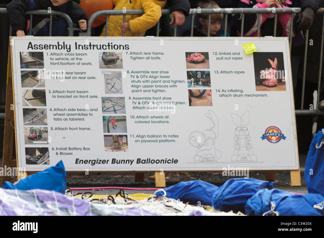 Detailed assembly instructions for the Energizer Bunny balloon for the 2010 Macy's Thanksgiving Day parade - Stock Image
