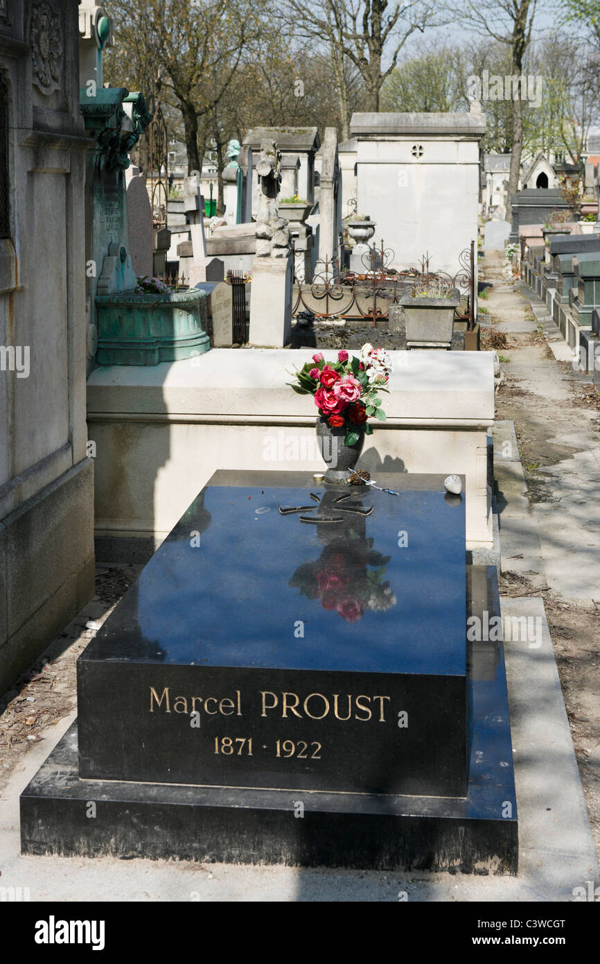 The grave of the French writer Marcel Proust in Pere Lachaise Cemetery, 20th Arrondissement, Paris, France - Stock Image