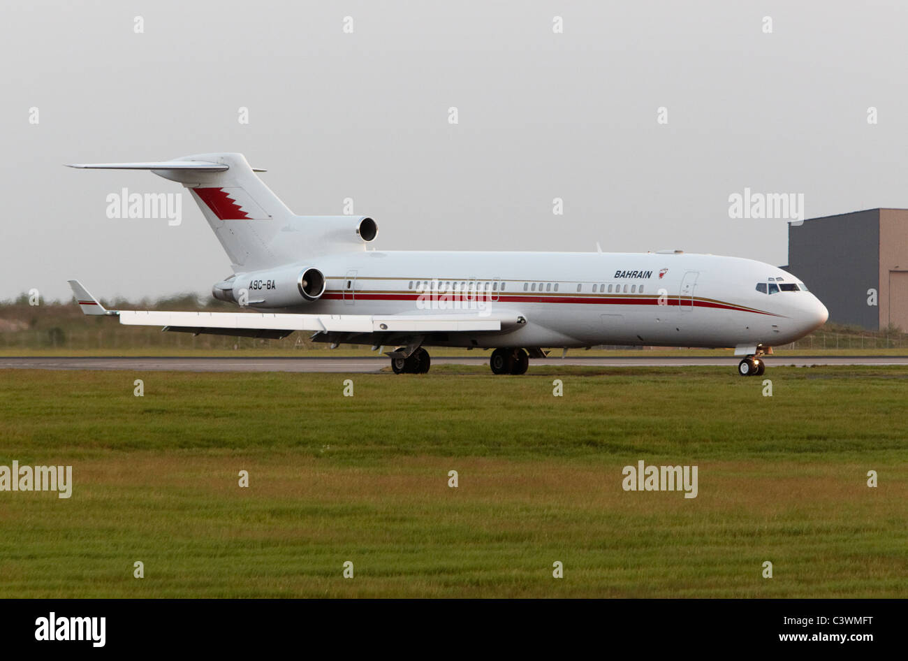 Bahrain Government Boeing 727-200 taxing after landing - Stock Image