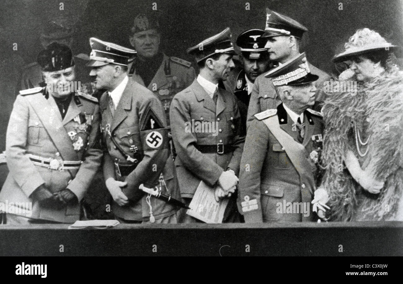 FACIST LEADERS in Rome June 1940 From left: Mussolini, Hitler, Goebbels, Himmler, Hess, Marshal Bagdolio and unknown - Stock Image