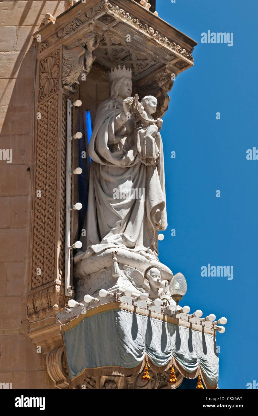 Street corner statue Valletta Malta - Stock Image