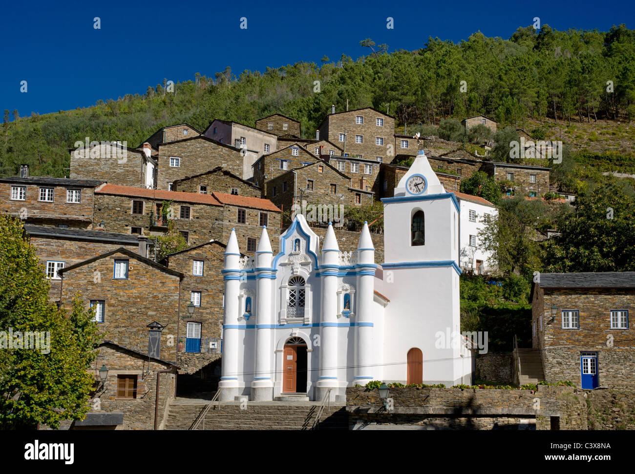 Portugal, Beira Alta, the Serra do Acor, Serra da Estrela, Piodao church and stone houses - Stock Image