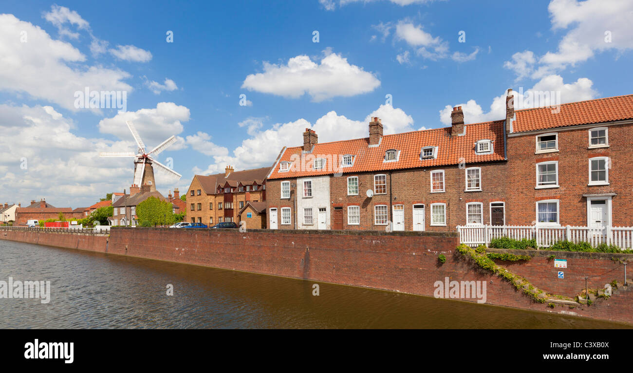 Maud Foster Windmill next to the Maud Foster Drain Skirbeck Boston LIncolnshire England GB UK EU Europe - Stock Image
