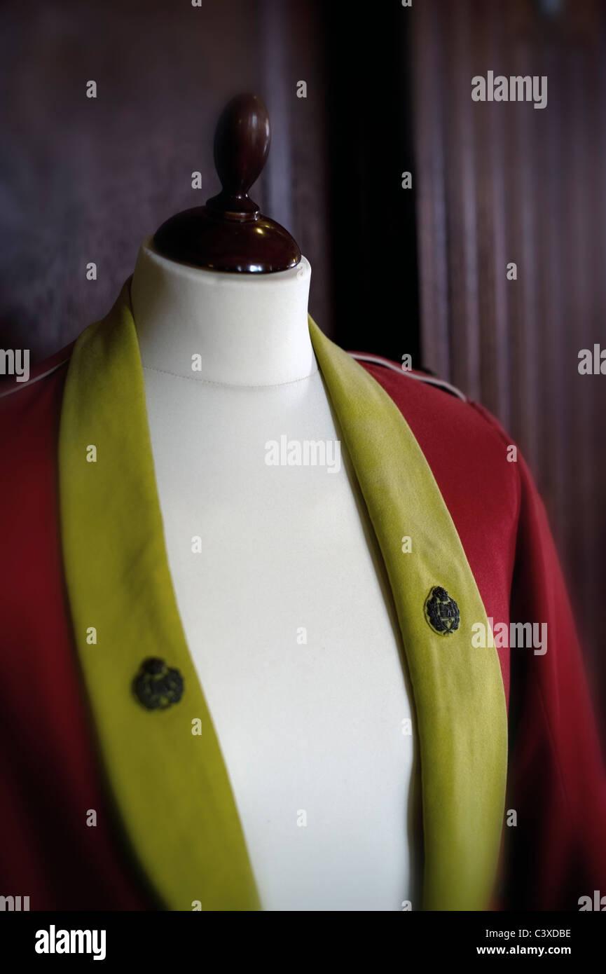 officers dress uniform on tailors dummy - Stock Image