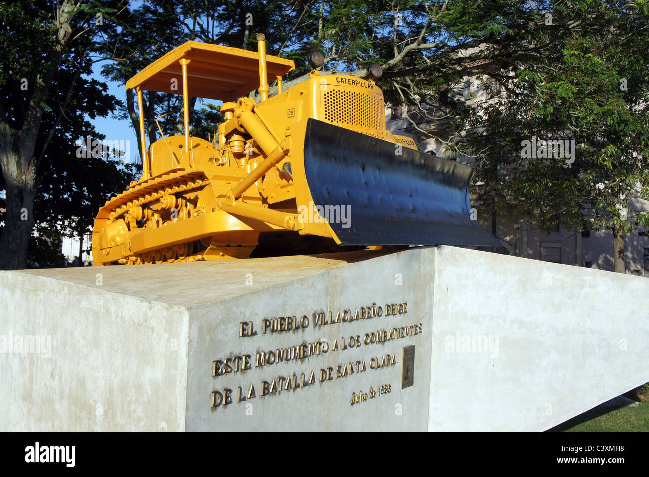 Yellow Caterpillar bulldozer used by Che Guevara to derail an armoured train at battle of Santa Clara in the Cuban - Stock Image
